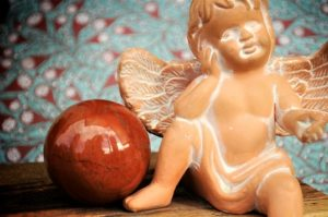 Engel mit Kugel Bild klein